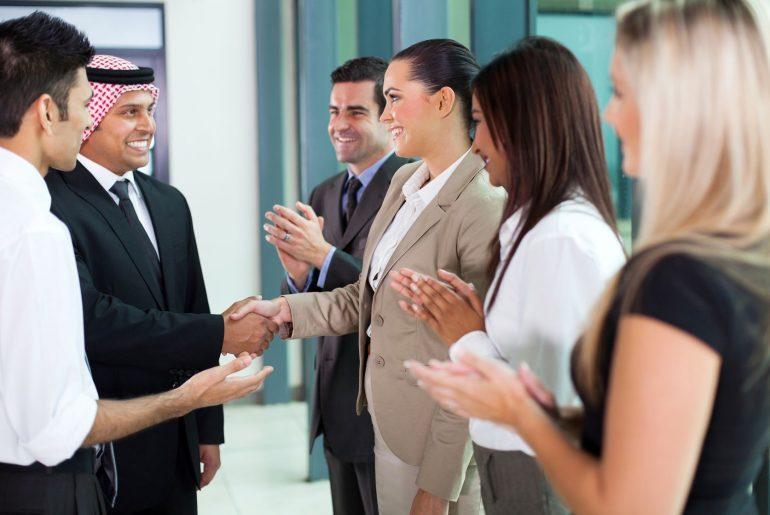 Работа переводчиком за границей: доступные вакансии в 2020 году